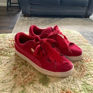 Puma pink suede sneakers size 6.5c